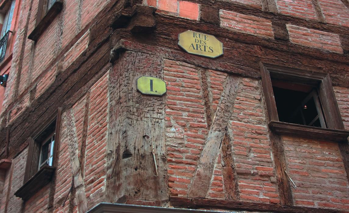 La rue des Arts, façade à colombages