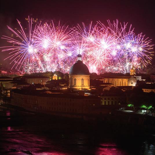 Le feu d'artifice sur la Garonne