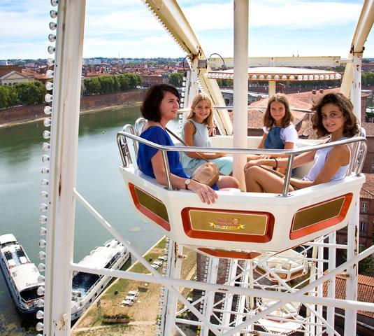 La grande roue en bord de Garonne