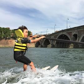Ski nautique sur la Garonne à Toulouse