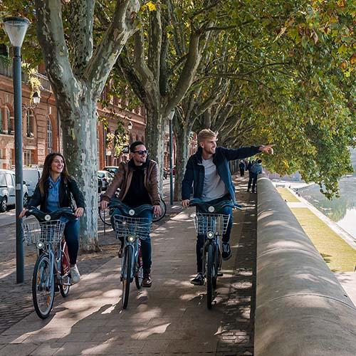 Toulouse, balade à vélo en bord de Garonne