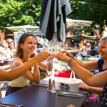 Terrasse de restaurant place Saint-Georges
